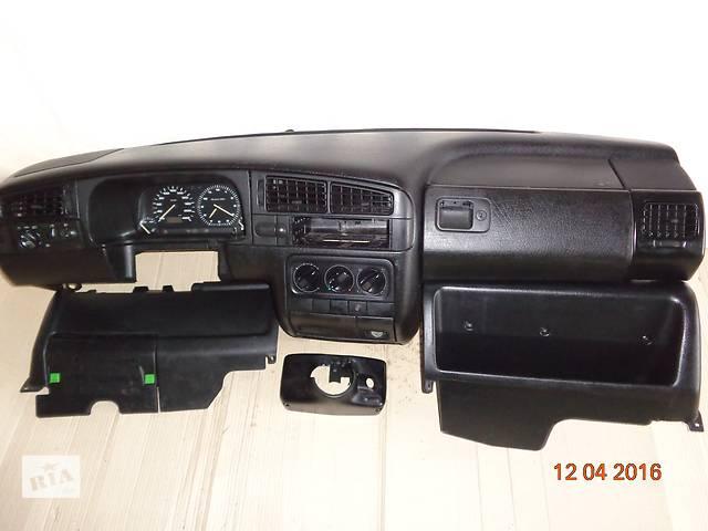 продам Б/у центральная консоль для седана Volkswagen Golf III бу в Межгорье (Закарпатской обл.)
