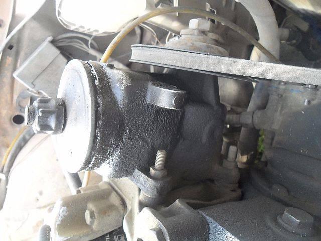 купить бу Б/у вакуумный насос для легкового авто Mercedes 123 в Дубно (Ровенской обл.)