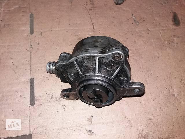 продам Б/у вакуумный насос для Renault Master 2.2 2.5 DCI бу в Ковеле