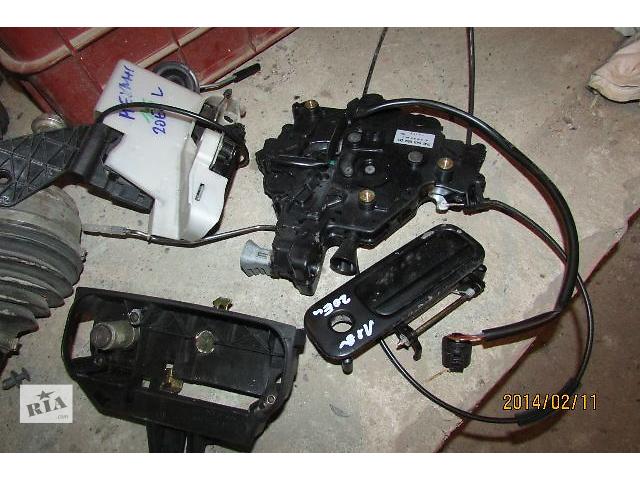 купить бу Б/у замок крышки багажника для легкового авто Volkswagen T5 (Transporter) 2008 в Хусте