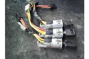 б/у Замки зажигания/контактные группы Renault Trafic