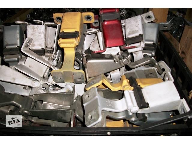 продам Б/у Завіси петля капота для Renault Kangoo Кенго2 2008-2012 бу в Рожище