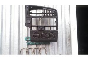 б/у Блоки управления печкой/климатконтролем Volkswagen Passat B2
