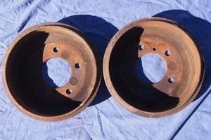Б/у тормозной барабан для Mercedes308 1994, 1995рв на мерседес 308 барабаны оригинал почти без выработки цена за один