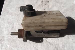 Б/у главный тормозной цилиндр для Iveco 35C12 2003рв на ивеко 2.3 сди оригинал пробег 240тис в ес гарантия что добрый