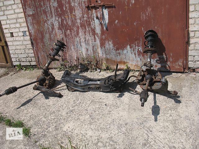 продам Б/у балка передней подвески для легкового авто Subaru Outback 2006 бу в Луцке