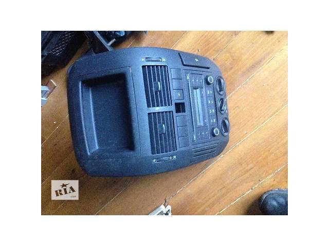 продам Б/у Компоненты кузова Центральная консоль Легковой Volkswagen Polo 5D 2006 бу в Новоселице (Черновицкой обл.)
