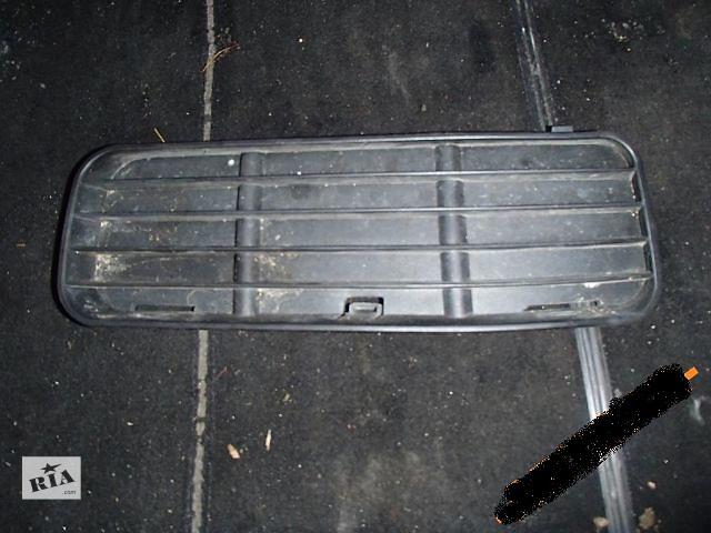 продам Б/у решётка бампера для легкового авто Volkswagen Caddy 2000 бу в Тернополе