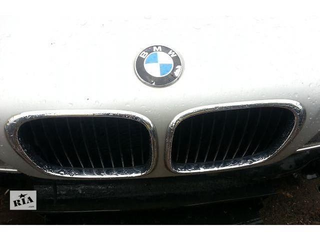 купить бу Б/у решётка радиатора на BMW 5  в Киеве