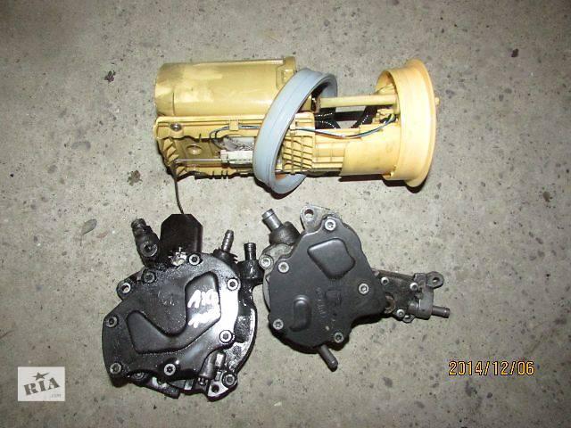 купить бу б/у Топливная система Топливный насос высокого давления/трубки/шест Легковой Volkswagen T5 (Transpor в Виноградове