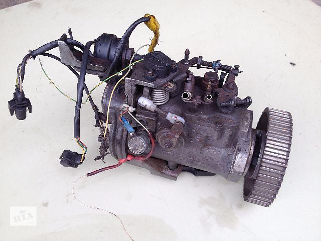 купить бу Б/у топливный насос высокого давления/трубки/шест для легкового авто Volkswagen Caddy 1.9D (R8445B035C) в Луцке