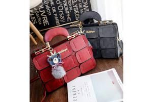 Шикарная деловая сумка с мраморным оттенком и брелком помпоном