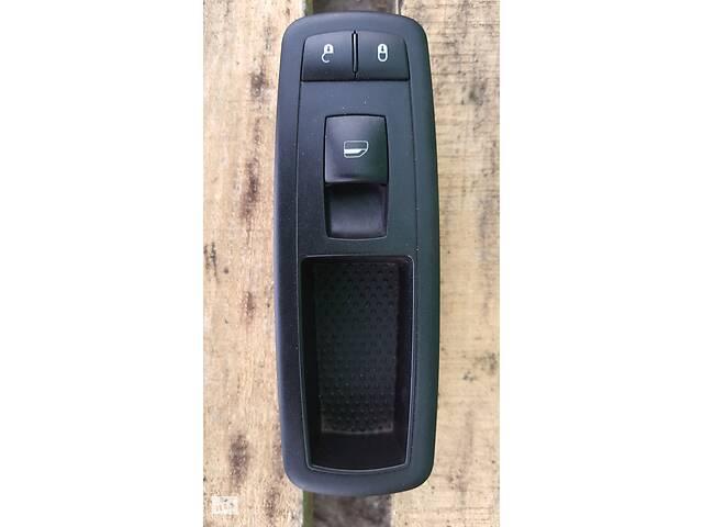 бу Блок кнопок стеклоподъемника передней правой двери Dodge Journey Додж Джорни 11- в Черкассах