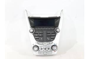 блок кнопок в торпедо центральный  GMC Terrain `10-11 , 84096717