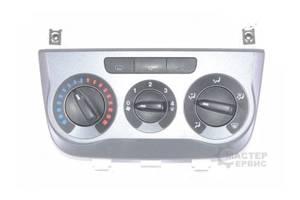 б/у Блоки управления печкой/климатконтролем Fiat Grande Punto