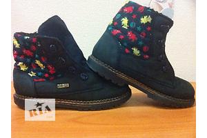 б/у Детские осенние ботинки