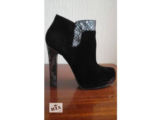 продам Ботинки женские бу в Киеве