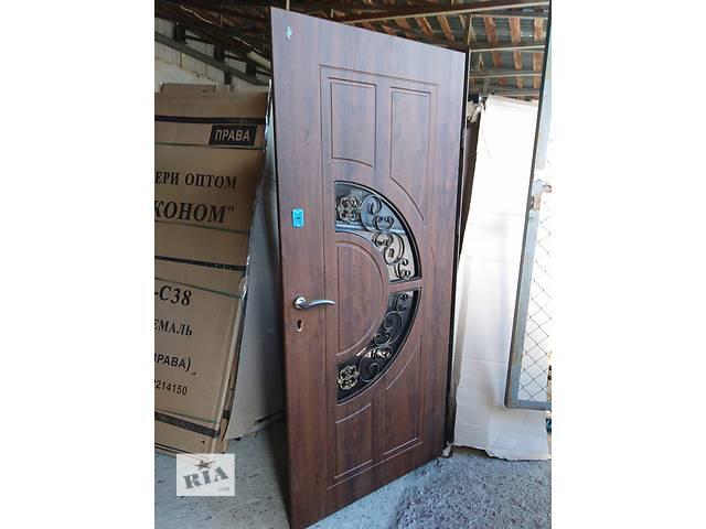продам Дверрі входные металлические размер ширина 1200 высота 2050 зковкою бу в Львове