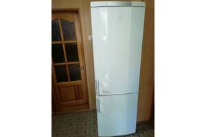 Холдильник AEG из Германии !