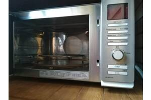 Мікрохвильовка LG з функціями духовки