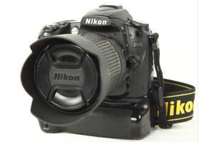 Nikon D90 + 18-135mm + бустер + второй батареи