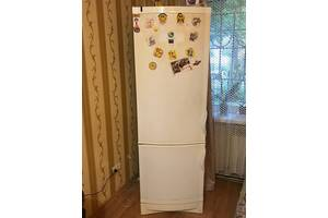 Продам двух моторный холодильник б\у под ремонт или на запчасти