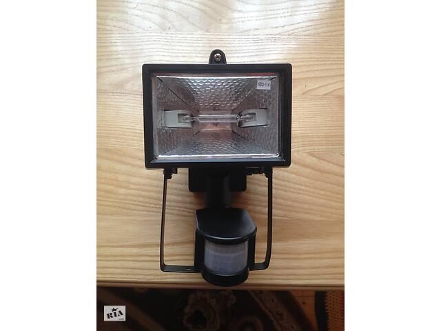 продам Прожектор галогенний з датчиком руху Brilux B-5S / 150 W бу в Мукачевому