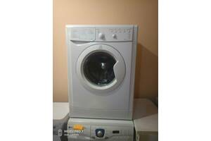 Пральна машинка Indesit 5 кг