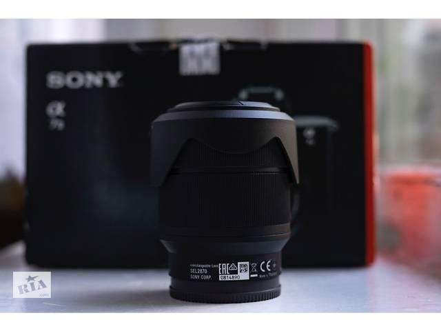 бу Универсальный объектив Sony FE 28-70mm f/3,5-5,6 в Киеве