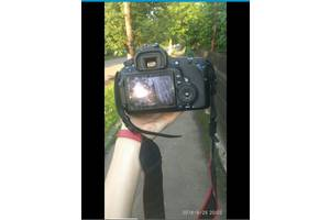 б/в Дзеркальні фотоапарати Canon EOS 60D
