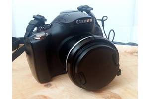 б/в Напівпрофесійні фотоапарати Canon
