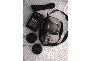 б/в Напівпрофесійні фотоапарати Sony