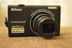 б/в Компактні фотокамери Nikon CoolPix S6200
