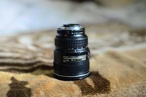 б/в Ширококутні об'єктиви Nikon