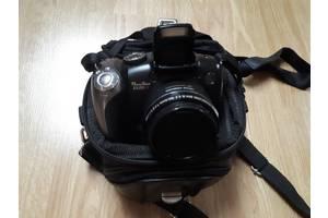 Напівпрофесійні фотоапарати Canon