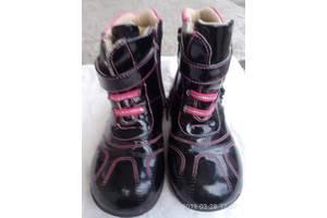 б/у Детские демисезонные ботинки Kito