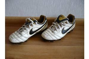 б/у Детская обувь Nike