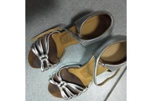 Дитячі туфлі для дівчаток