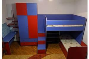 Продається Дитяча, меблі в дитячу кімнату (Комплект меблів)