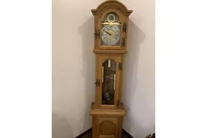 Годинник підлоговий антикварний дерев'яний з Європи з боєм