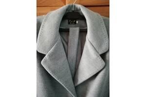 Класичне шерстяне пальто з поясом