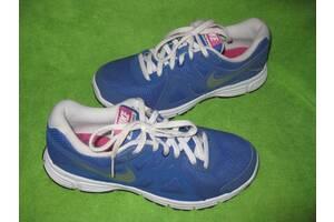 Кросівки Nike р. 37-38 устілка 24см