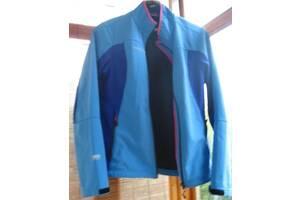 Куртка ж. М 12 р. вітровка вологостійка, на блискавки. торг.