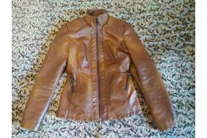 Курточка (кожзам). Розмір S (40-42)