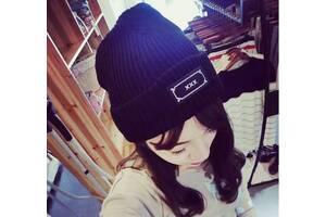 Стильна жіноча шапка ХХХ