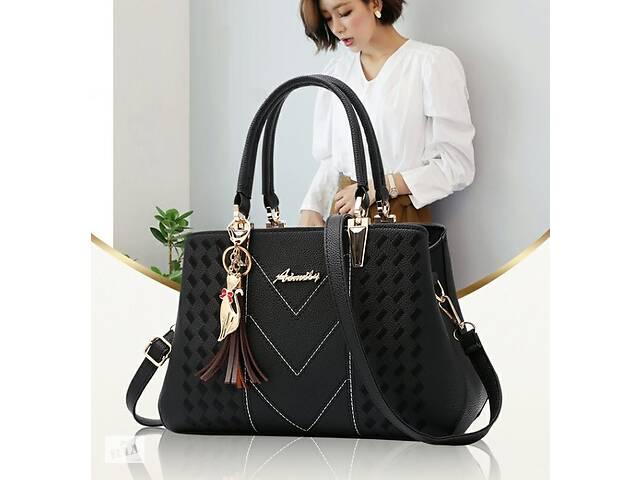 купить бу Модная женская сумочка с брелком. Женская сумка с плечевым ремнем для женщин в Дніпрі (Дніпропетровськ)