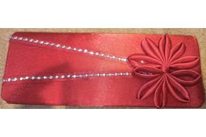 Сумка клатч атласный красный с камешками новый
