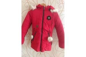 Зимняя куртка для девочки в хорошем состоянии