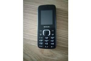 Кнопковий телефон Fly на 2 sim