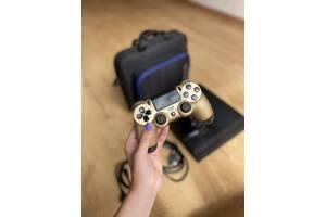 PlayStation 4 в ідеальному стані